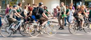 Jugendliche mit Fahrrad