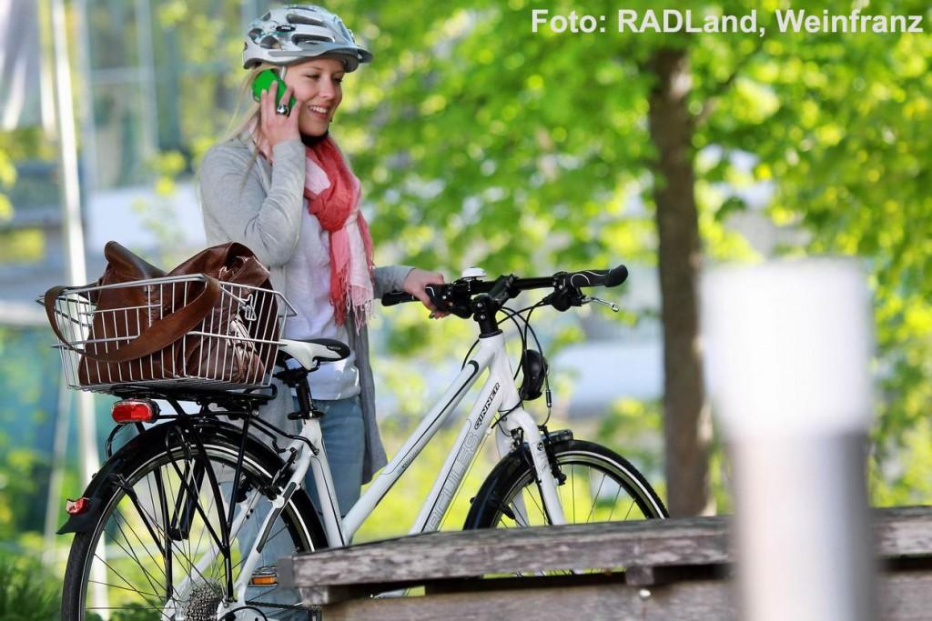 Eine jugendliche Radfahrerin