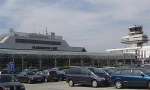 Flughafen Linz Front von vorne
