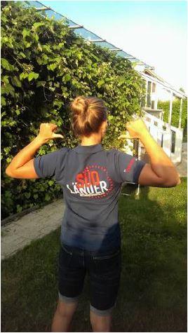 Helena Grabner im T-Shirt der Jungen Wirtschaft Kärnten