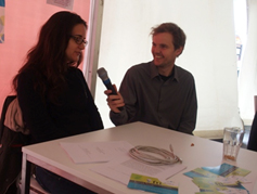 Johanna Ullrich von SBA erzählt, wie ihr das fti-Speeddating am Wiener Forschungsfest gefallen hat