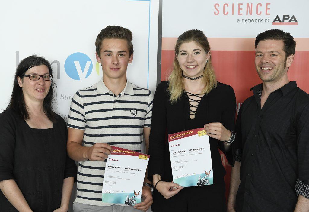 BILD zu OTS - Preisverleihung des APA-Science Content-Contest: Im Bild v.l.n.r.: Christa Bernert (BMVIT), Martin Zwifl, Lea Zauner, Mario Wasserfaller (APA) Fotocredit: APA(Jäger