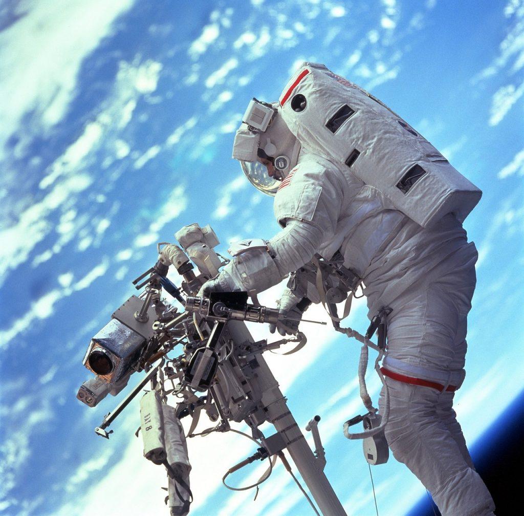 Astronaut mit Kamera